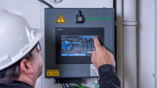 En tant que système plug-and-play préconfiguré, le SmartQB ne nécessite aucune connaissance préalable en matière de surveillance conditionnelle.
