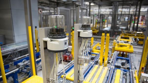 Des sous-ensembles autonomes assurent un flux de matériaux fiable dans le nouveau centre de stockage et de distribution de Schaeffler.