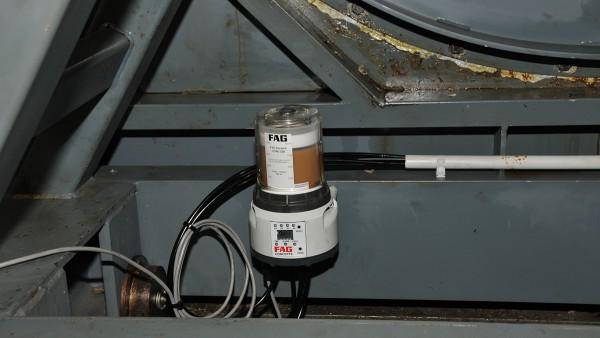 Graisseur CONCEPT8 de Schaeffler au niveau de la base du ventilateur