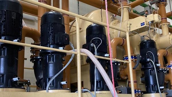 Surveillance des pompes dans un système d'alimentation central