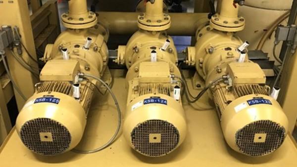 Surveillance des moteurs dans un système d'alimentation central